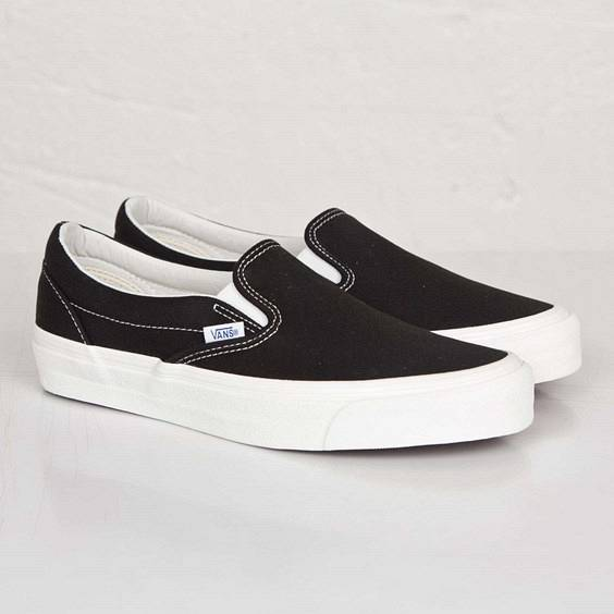 Vans Og Classic Slip-On In Black - Size 35